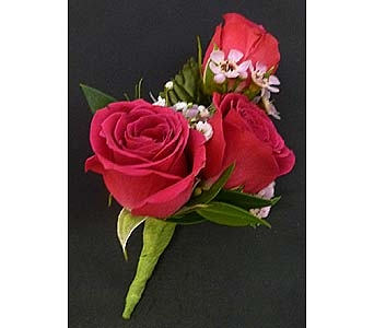 3 Bloom Hot Pink Spray Rose Boutonniere in Mesa AZ, Watson Flower Shops