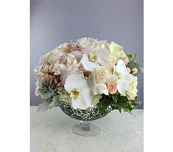 Shabby Chic in Santa Clarita CA, Celebrate Flowers and Invitations