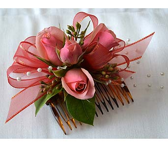 Pretty in Peach Hair Comb in Dearborn Heights MI, English Gardens