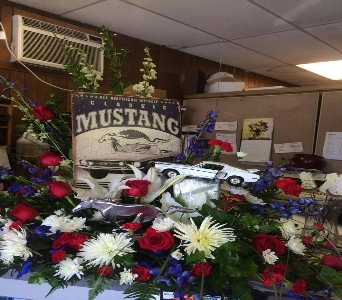 Personalized Memorial flowers  in Milford OH, Jay's Florist