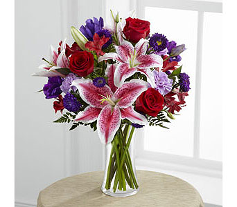 The FTD� Stunning Beauty� Bouquet  in Woburn MA, Malvy's Flower & Gifts