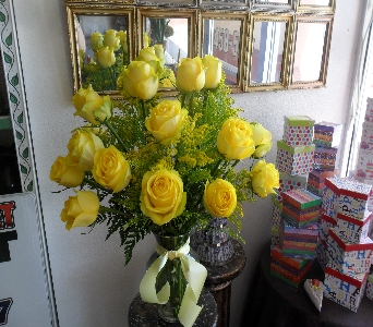 Golden Glow in Henderson NV, Beautiful Bouquet Florist