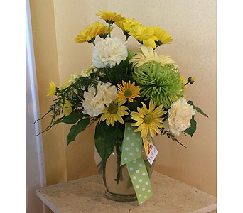 Sunshine Bouquet in Hales Corners WI, Barb's Green House Florist