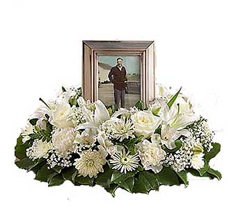 White Cremation Wreath in Chicagoland IL, Amling's Flowerland