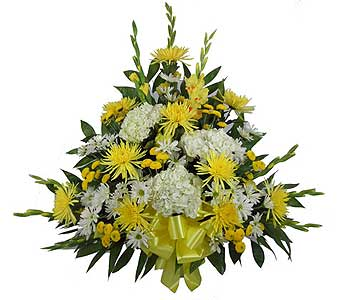 Traditional Sympathy Basket in Chicagoland IL, Amling's Flowerland