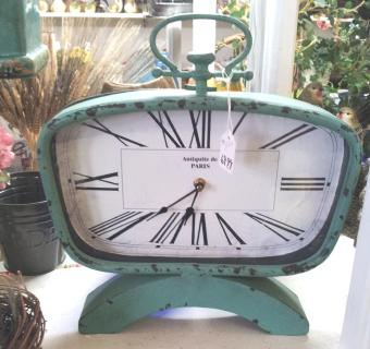 VINTAGE STYLE CLOCK in Oxford MI, A & A Flowers