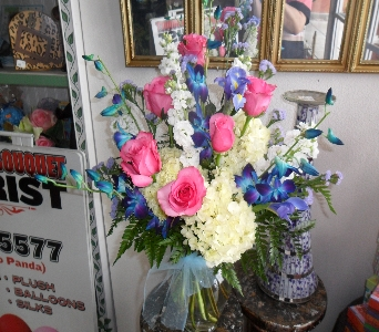 Winter Whimsy  in Henderson NV, Beautiful Bouquet Florist
