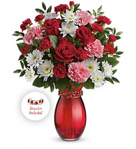 Teleflora's Sweet Embrace Bouquet in Knoxville TN, Petree's Flowers, Inc.