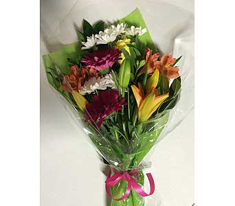 Presentation Style Bouquet in Clarkston MI, The Gateway
