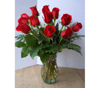 Classic Dozen Roses in Muskegon MI, Wasserman's Flower Shop