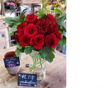 Red Rose Classique in Orinda CA, Misaghi Design Orinda Florist