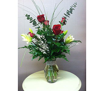 Be Mine in Creedmoor NC, Gil-Man Florist Inc.