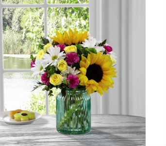 FTD� Sunlit Meadows� Bouquet by Better H & G in Kingsport TN, Holston Florist Shop Inc.