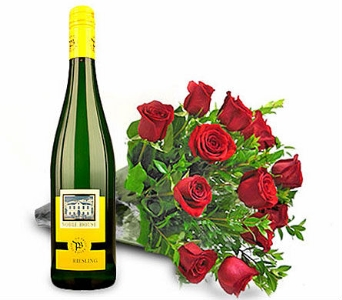 Roses & Riesling in Cleves OH, Nature Nook Florist & Wine Shop