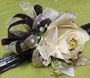 Corsage Single rose in Kennewick WA, Heritage Home Accents & Floral