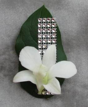 Dazzle Boutonniere in Crystal Lake IL, Countryside Flower Shop