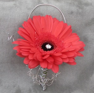 Gerbera Glam Boutonniere in Crystal Lake IL, Countryside Flower Shop