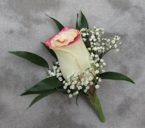Standard Rose Boutonniere in Crystal Lake IL, Countryside Flower Shop