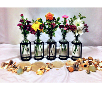 Flowers in a Bottle in Greeley CO, Mariposa Plants & Flowers