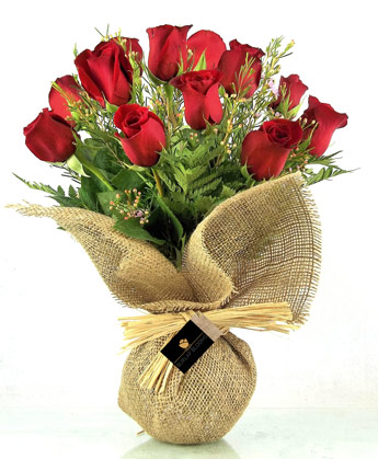 Burlap Blooms: A Bonnet of Reds in Newport News VA, Pollards Florist