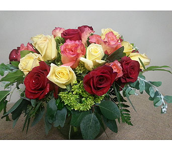 Bowl Full of Roses in Suwanee GA, Suwanee Towne Florist