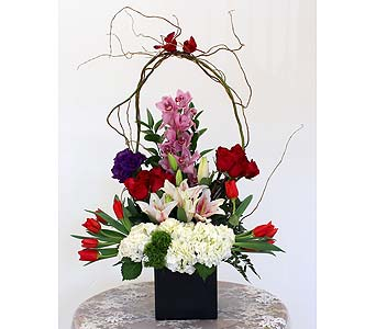 Arrangements in Northridge CA, Flower World 'N Gift