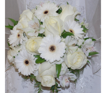 Cream roses and gerbaer  bridal bouquet in Scarborough ON, Helen Blakey Flowers