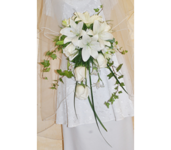 Cascading brides bouquet in Scarborough ON, Helen Blakey Flowers