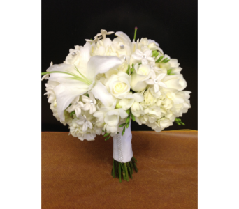White Dream Bouquet in Kissimmee FL, Golden Carriage Florist