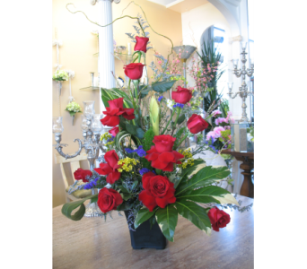 Contemporary Rose Arrangement in Wichita KS, Dean's Designs
