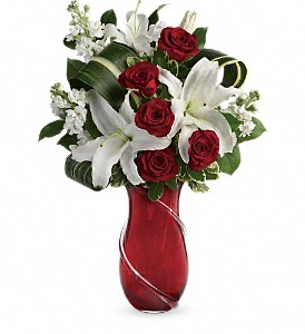 Teleflora's Love And Tenderness Bouquet in Murrells Inlet SC, Callas in the Inlet