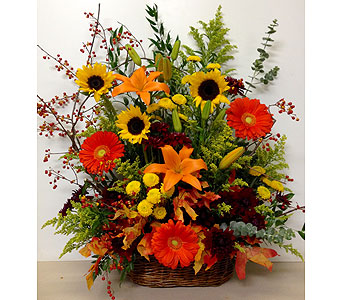 Harvest Field Sympathy Basket - One-Sided in Wyoming MI, Wyoming Stuyvesant Floral