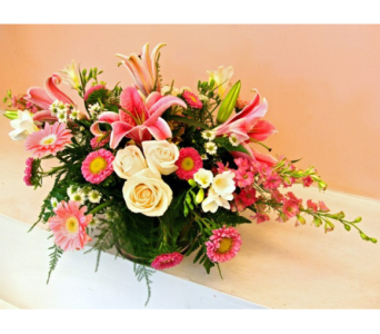 Pink Tone Centerpiece in San Francisco CA, Fillmore Florist