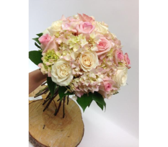 Classic Pinks in Lakewood CO, Petals Floral & Gifts