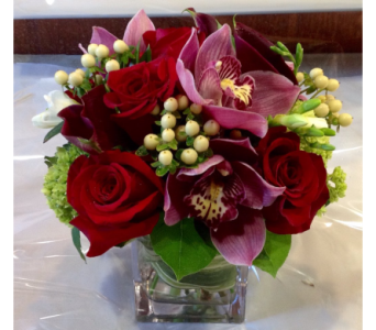 La Dolce Vita  in Guilford CT, Guilford White House Florist