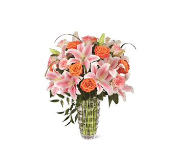 The FTD Sweetly Stunning� Luxury Bouquet  in Haymarket VA, Melanie's Florist