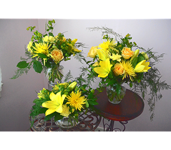 William's Sunshine! Bouquet in West Seneca NY, William's Florist & Gift House, Inc.
