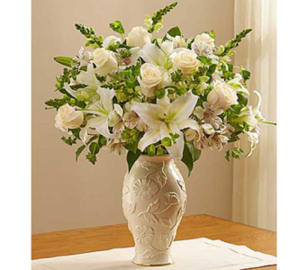 LENOX VASE LOVING BLOOMS BOUQUET in Yelm WA, Yelm Floral