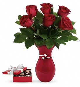 Gift From The Heart Bouquet with chocolates in New York NY, Solim Flower