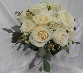 Classic Cream Rose Bouquet in St Catharines ON, Vine Floral
