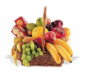 Classic Fruit Basket by 1-800-balloons