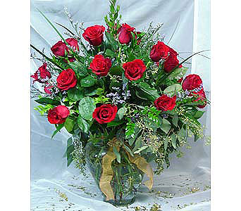 Red Rose Bouquets & Arrangements in Massapequa Park NY, Bayview Florist & Montage  1-800-800-7304