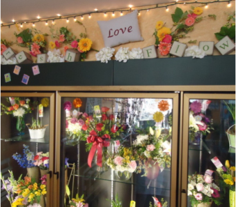 Fresh Flowers Every Day! in Saratoga Springs NY, Dehn's Flowers & Greenhouses, Inc