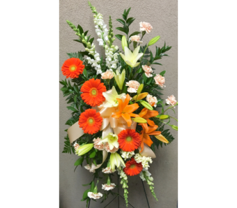 Shades of Peach and Orange Easel Arrangement in Wyoming MI, Wyoming Stuyvesant Floral