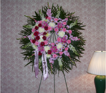 Standing Wreath 2 in Yonkers NY, Hollywood Florist Inc