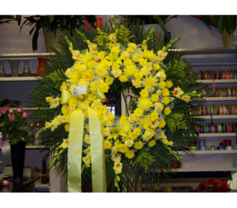 Standing Wreath 3 in Yonkers NY, Hollywood Florist Inc