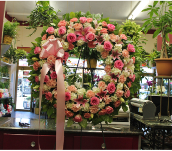 Standing Wreath 4 in Yonkers NY, Hollywood Florist Inc