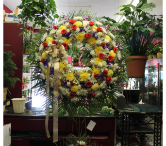 Standing Wreath 5 in Yonkers NY, Hollywood Florist Inc