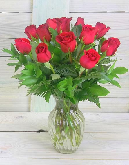 One dozen classic red roses. in Smithtown NY, James Cress Florist