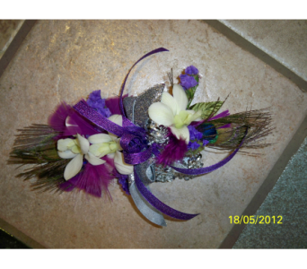 Corsage in Quincy PA, B & H Lawn Service & Floral